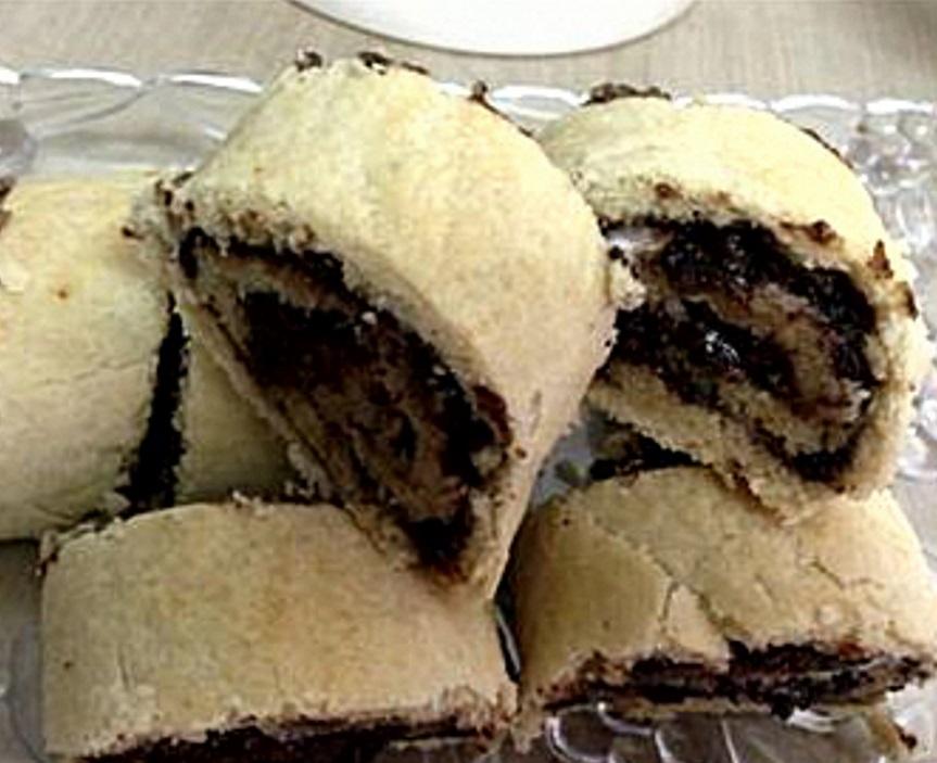 כרוכיות תמרים עם קינמון ופיצפוצי שוקולד
