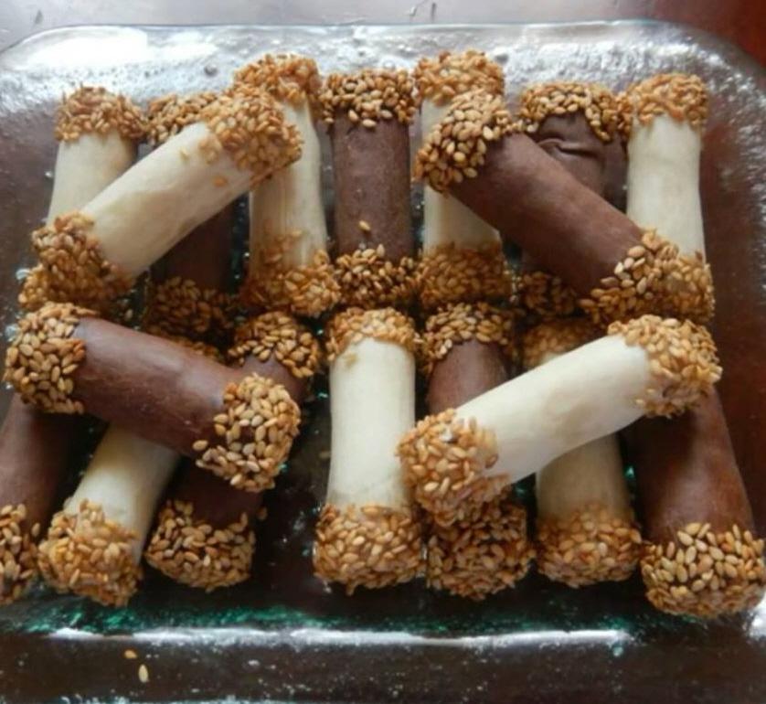סיגרים מבצק מספאן ומילוי שקדים אפויים