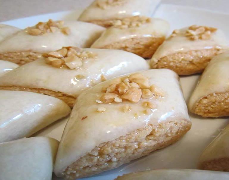 מתכון לעוגיות בוטנים עטופים בבצק מיוחד דומה לבקלווה